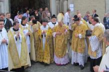 Alte Messe, Pontifikalamt