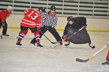 Kleriker beim Eishockey
